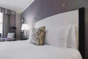 bright--room-bed-min-xl